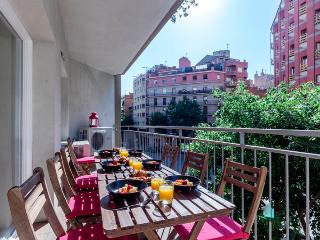 5 bedrooms, 2 baths near Sagrada Familia! - Barcelona vacation rentals