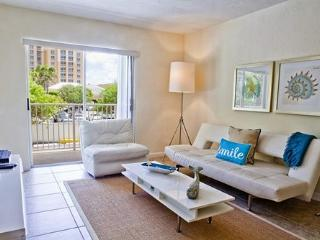 2 Bdrm in Key Biscayne steps from the Beach - Key Biscayne vacation rentals