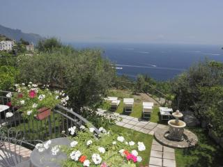 Charming 5 bedroom Vettica di Amalfi Villa with Internet Access - Vettica di Amalfi vacation rentals