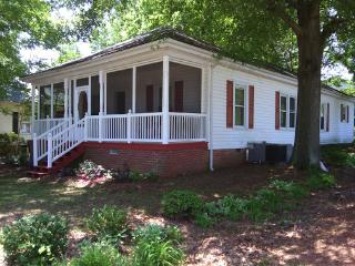 Concord Charlotte house with lots of amenities - Charlotte vacation rentals