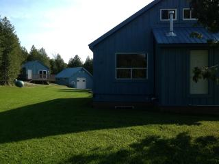 A casually comfortable, modern country house. - Chatsworth vacation rentals