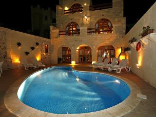Perfect B&B with Internet Access and Patio - Qala vacation rentals