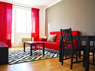 Sunny Apartment in Berlin Center - Berlin vacation rentals