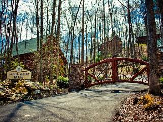 Amazingly Romantic and Luxurious Cabin for Couples! - Tennessee vacation rentals
