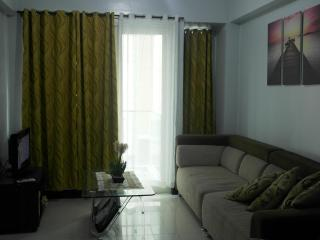 Furnished Condo Parkside villas Resortworld  Pasay - Pasay vacation rentals