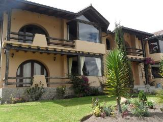 Beautiful Condo overlooking city lights - Chimborazo Province vacation rentals