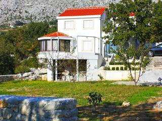 Spacious Villa with Internet Access and A/C - Gornje Sitno vacation rentals
