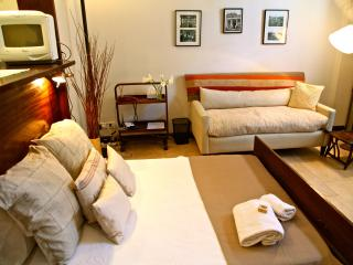 ♥COZY, BEST LOCATION AT A GREAT PRICE♥ - Ezeiza vacation rentals