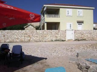 2 bedroom Condo with A/C in Sevid - Sevid vacation rentals