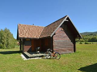 Cozy 3 bedroom Chalet in Fuzine with Internet Access - Fuzine vacation rentals