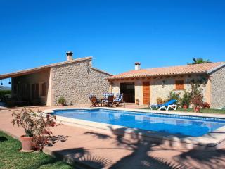 LUXURY VILLA WITH SWIMMINGPOOL - Alcudia vacation rentals