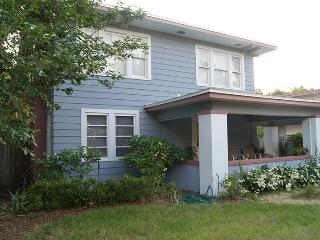 Dew Drop Inn - 5 min to beach - Clearwater vacation rentals