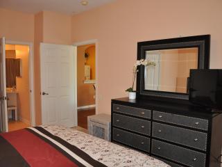 Disney World 3 Miles away, Modern Luxury Resort Co - Four Corners vacation rentals