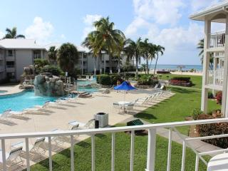 2 BR Poolside Condo at Sunset Cove on 7 Mile Beach - Seven Mile Beach vacation rentals