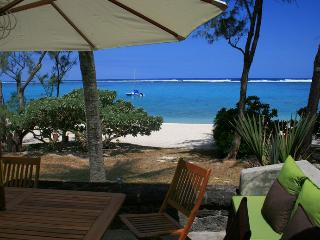 Villa Veloutier Blanc waterfront beach and lagoon - Blue Bay vacation rentals