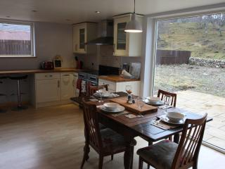 Beautiful 3 bedroom Ballater Cottage with Dishwasher - Ballater vacation rentals