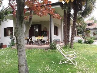 Villa with garden in a quiet and central area - Corsico vacation rentals