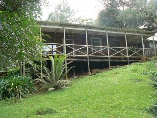 Perfect Cabin with Deck and Outdoor Dining Area - Howick vacation rentals