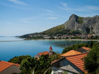 Beautiful view 4+2 - Omis vacation rentals