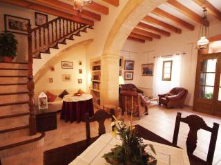 The Artist´s Boutique House in Alcudia Old Town - Alcudia vacation rentals