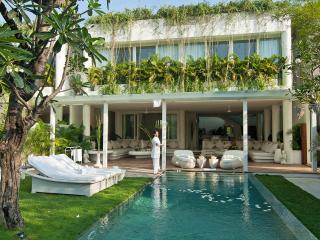 EDEN: RESIDENCE AT THE SEA (FRONT SIDE) - By BaliOn - Seminyak vacation rentals