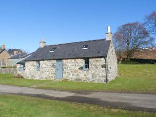 THE BOTHY, woodburner, pet-friendly, romantic cottage near Edzell, Ref. 22711 - Johnshaven vacation rentals