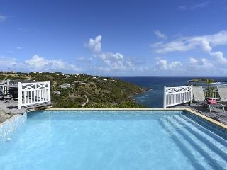 Ocean Views, Ideal for Couples & Friends, Private Pool & Jacuzzi, Spacious & Bright - Marigot vacation rentals
