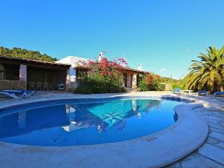 Lovely 3 bedroom House in Cubells with Private Outdoor Pool - Cubells vacation rentals