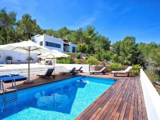 Nice 4 bedroom San Agusti des Vedra House with Private Outdoor Pool - San Agusti des Vedra vacation rentals