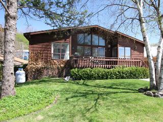 Saugeen Street cottage (#840) - Kincardine vacation rentals