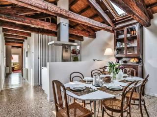Bright 2 bedroom House in Venice - Venice vacation rentals