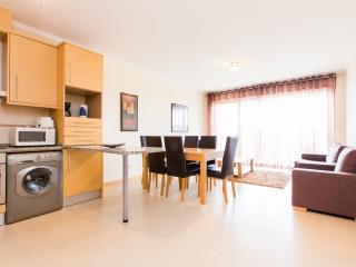 446671B - First floor 2 bedroom apartment, walking distance to Beach - Sleeps 6 - Sao Martinho do Porto - Sao Martinho do Porto vacation rentals