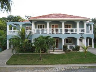 Modern West End Condo 2 BR and 2 Bath - West End vacation rentals