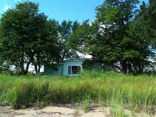 2 Bedroom Cottage for rent -Private, Pretty - Shediac vacation rentals