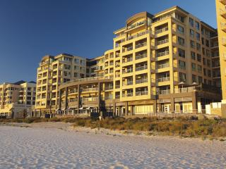 Executive Escape @ Beachfront Glenelg - Glenelg vacation rentals
