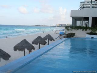 Spacious Condominium Prime Beachfront - Cancun vacation rentals