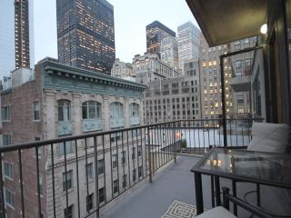 Lovely Condo with Internet Access and A/C - New York City vacation rentals