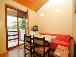 Nice little apartment - Image 1 - Mali Losinj - rentals