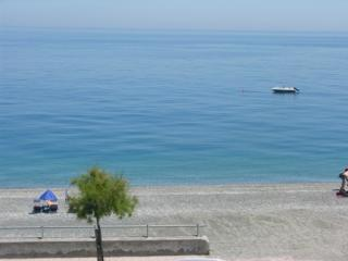 2 bedroom Apartment with Waterfront in Roccalumera - Roccalumera vacation rentals