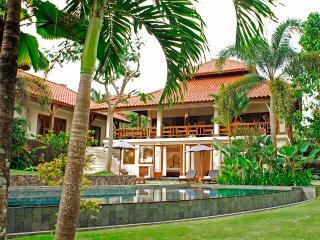 Villa PurSang, Luxury villa with rice paddy view - Pererenan vacation rentals