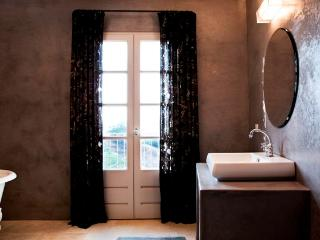 Suite Flora - Luxury room in Cateri, Corsica, with private entrance and modern amenities - Corsica vacation rentals