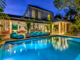 Alchemy By Bali Villas Rus- CENTRAL SEMINYAK CLOSE TO THE BEACH and RESTAURANT - Seminyak vacation rentals
