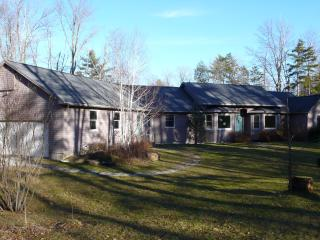 Beautiful 4 bedroom Vacation Rental in Becket - Becket vacation rentals