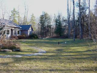 Beautiful 4 bedroom House in Becket - Becket vacation rentals
