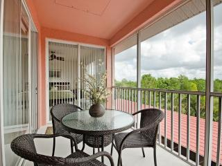 New! Walk to the Beach 3 Bedroom, Pet Friendly. - Naples vacation rentals