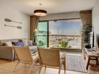 LUXURY 5* apt. 50m from the beach! - Herzlia vacation rentals