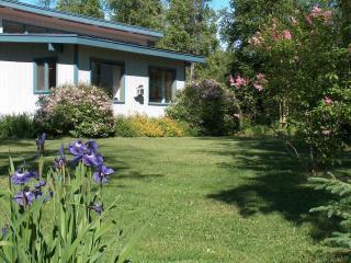 Spacious Cottage between Wasilla and Palmer - Wasilla vacation rentals