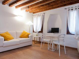 Contemporary Chic Apartment Venice - Veneto - Venice vacation rentals