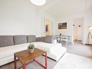 White Flat A21 - Barcelona vacation rentals