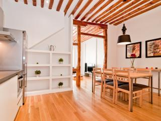 2 bds Chueca/Gran Via - Madrid vacation rentals